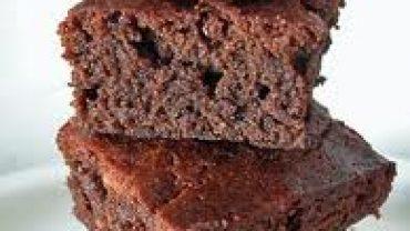 Brownie ligero con Ciruelas